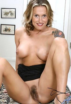 MILF Beaver Porn Pictures