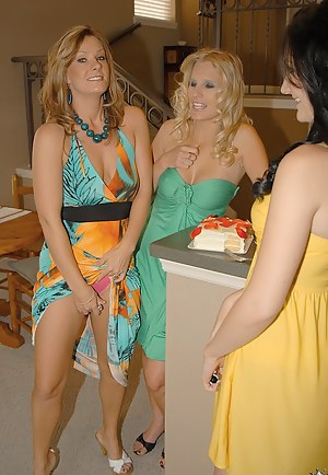 Lesbian MILF Orgy Porn Pictures