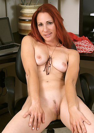MILF Pussy Piercing Porn Pictures