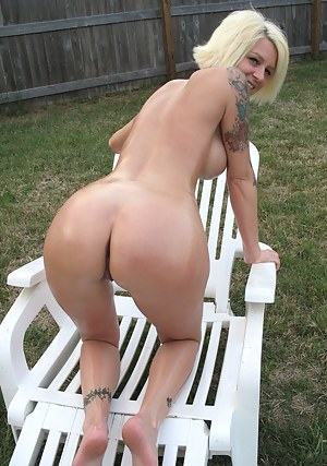 MILF Butt Porn Pictures