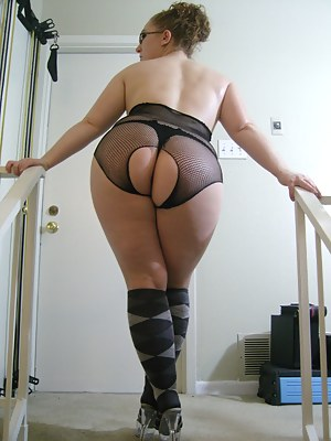 MILF Socks Porn Pictures
