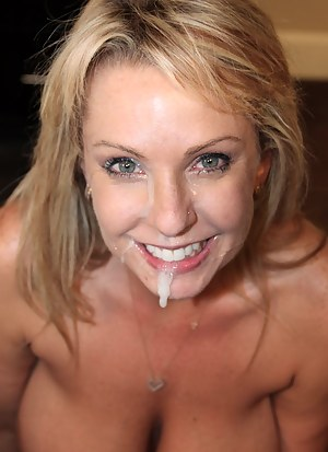 Hot mom cumshot