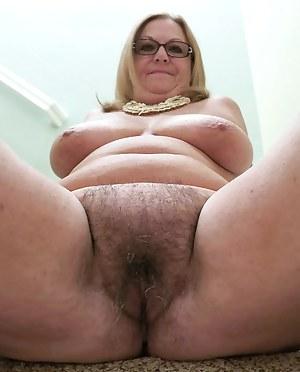 Plump pussy pics